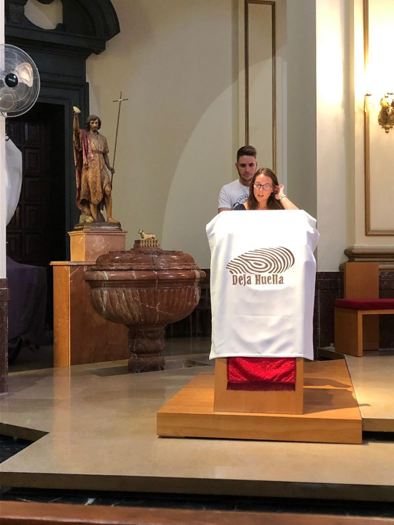 los misioneros son enviados por la Iglesia para ser testimonio vivo de Cristo