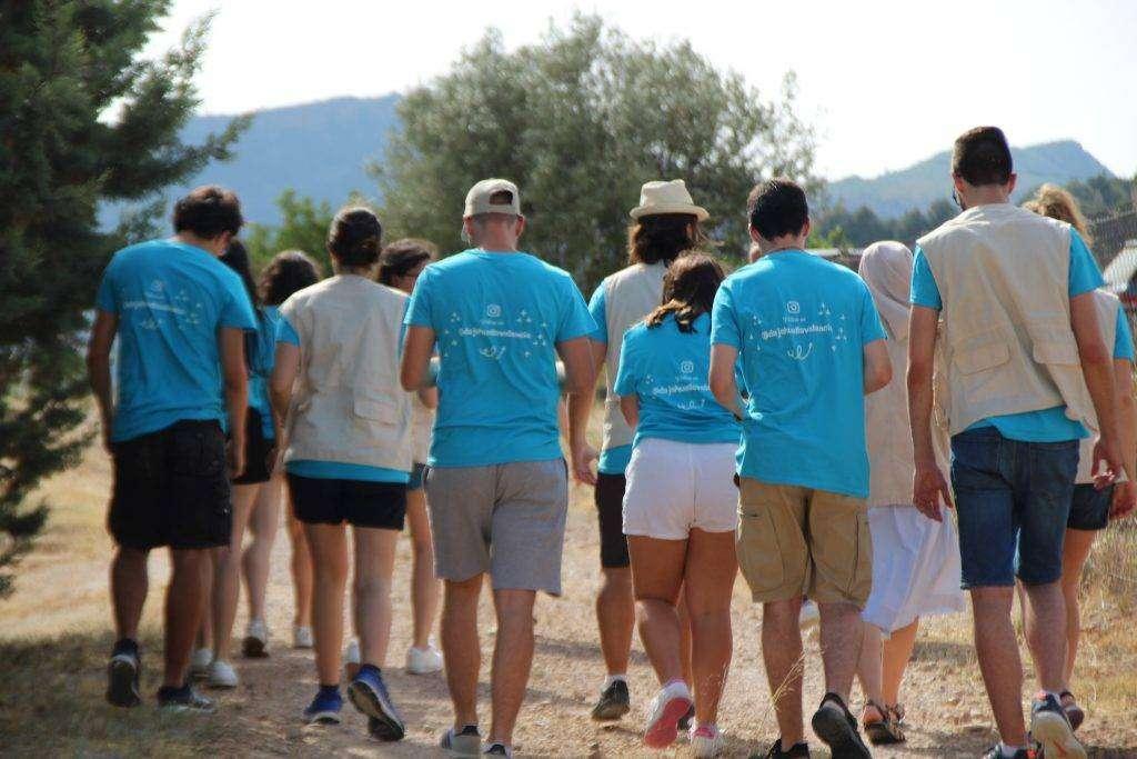 Grupo de jóvenes voluntarios