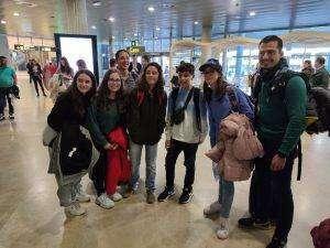 Alumnos y profes en el aeropuerto